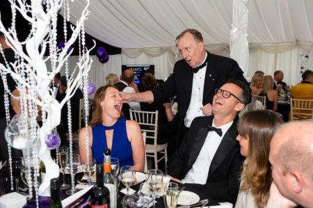 Magic OZ Hire Table Corporate Magician in London